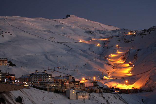 Esquí nocturno en Sierra-Nevada